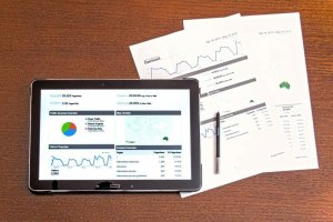 analysis-analytics-business-charts