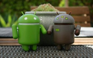 android-couple-computer-technology